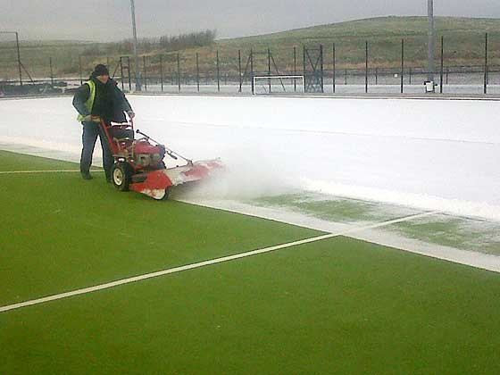 power sweeper for  tennis courts (large pic)